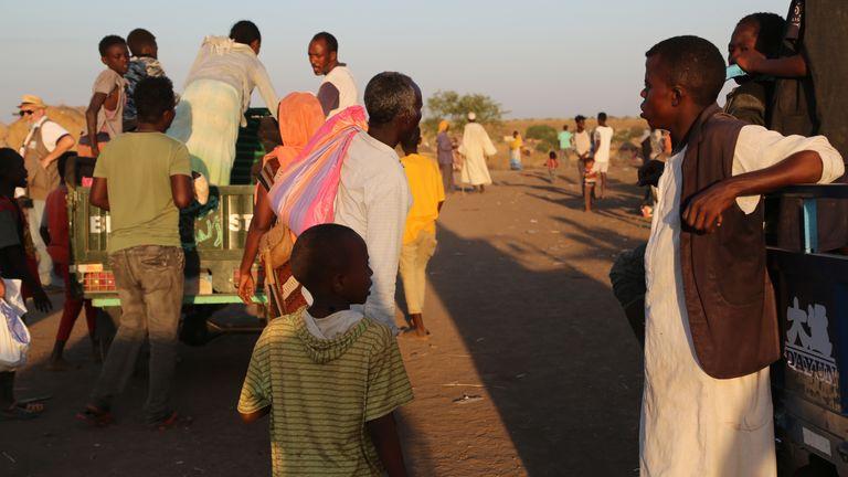 Réfugiés éthiopiens qui ont fui le conflit dans la région éthiopienne du Tigray au centre d'accueil de Hamdayet dans la ville frontalière de Hamdayet, au Soudan.  Photo: Leni Kinzli / EPA-EFE / Shutterstock