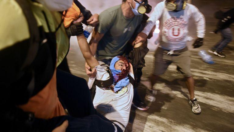 Les manifestations sont devenues violentes samedi