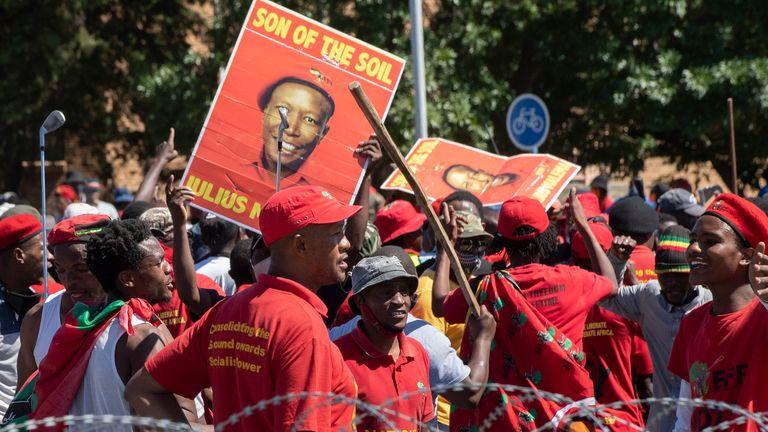 La manifestation a été organisée par les combattants de la liberté économique (EFF)