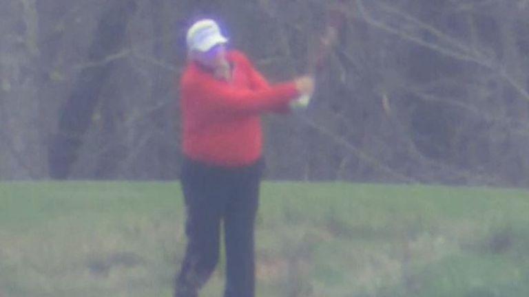 Trump joue au golf et manque la session pandémique du G20