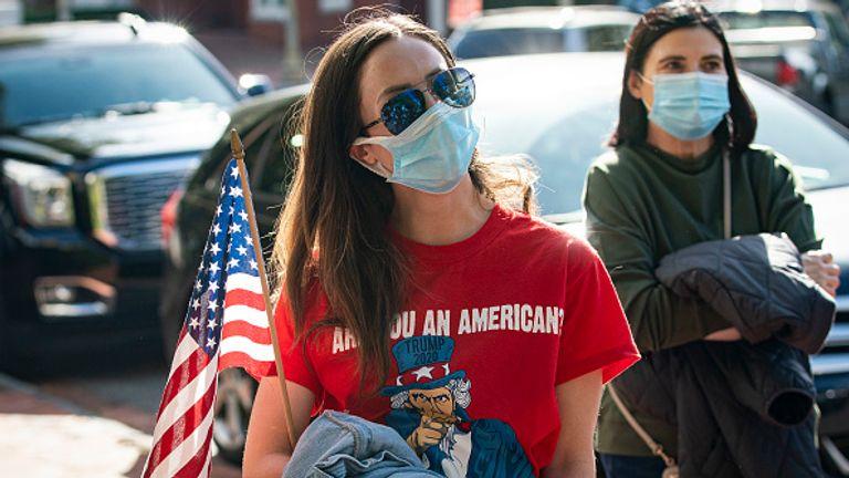 Un partisan de Donald Trump participe à des manifestations à Washington DC