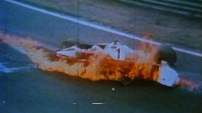 NIKI LAUDA PERD LE CONTRÔLE ET SE CRASH DANS LES FLAMMES CR-BRUNSWICK FILMS