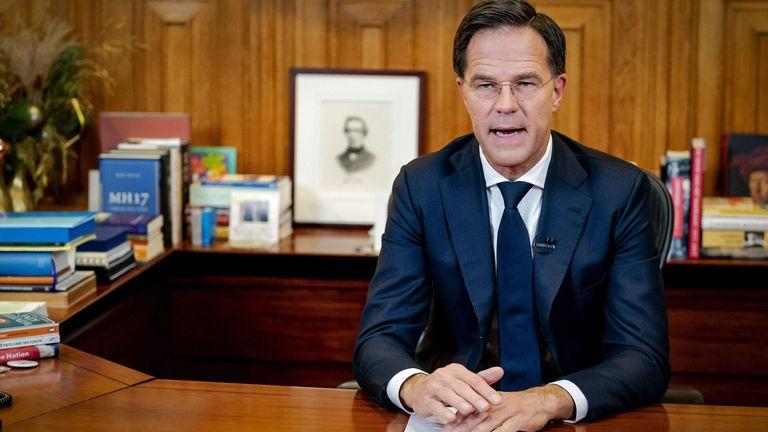 Le Premier ministre Mark Rutte tient un discours télévisé