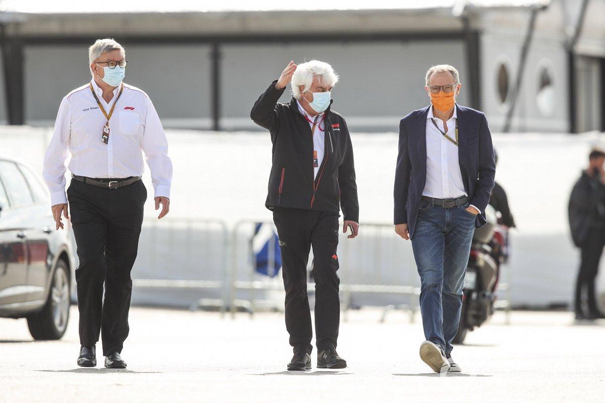 Ross Brawn, directeur général du sport automobile, FOM et Stefano Domenicali, directeur général de FOM
