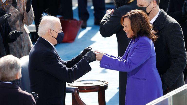 Inauguration de Joe Biden en tant que 46e président du président élu des États-Unis Joe Biden et du vice-président Kamala Harris lors de l'inauguration de Joe Biden en tant que 46e président des États-Unis sur le front ouest du Capitole américain à Washington, États-Unis, janvier 20 janvier 2021. REUTERS / Brendan McDermid