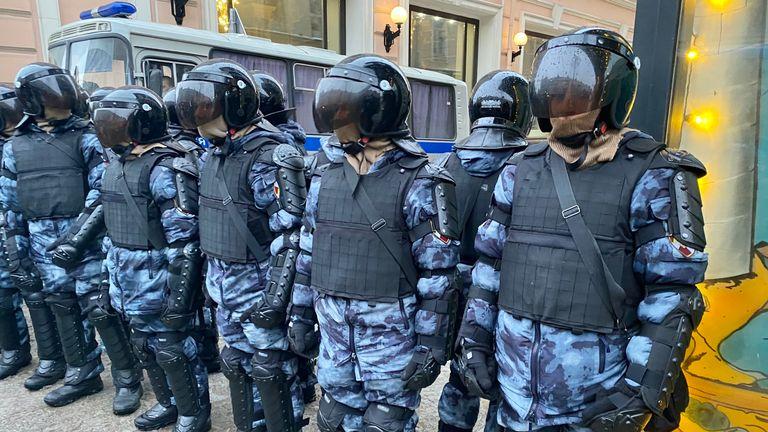 La police a répondu aux manifestations après l'arrestation de Navalny