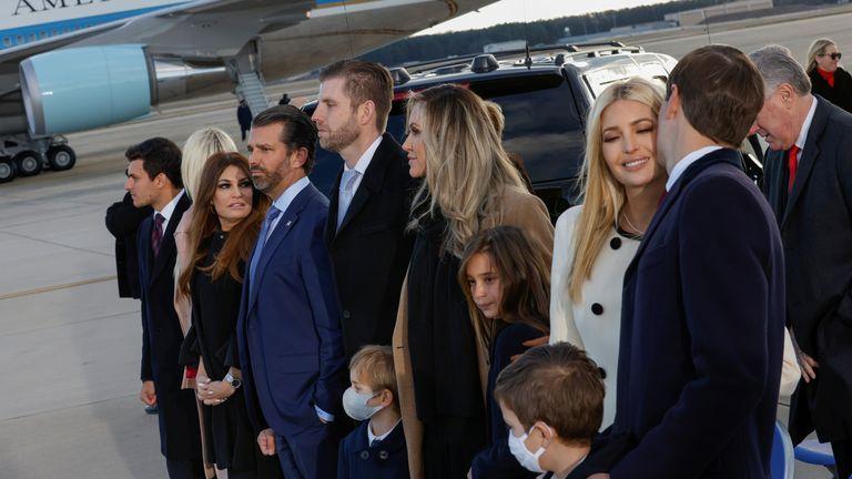 La famille Trump a assisté à la cérémonie de départ de Donald Trump