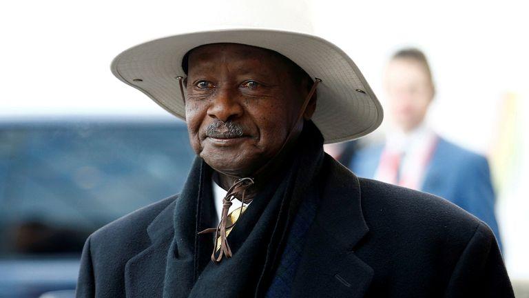 Le président ougandais Yoweri Museveni arrive au sommet de l'investissement Royaume-Uni-Afrique à Londres le 20 janvier 2020