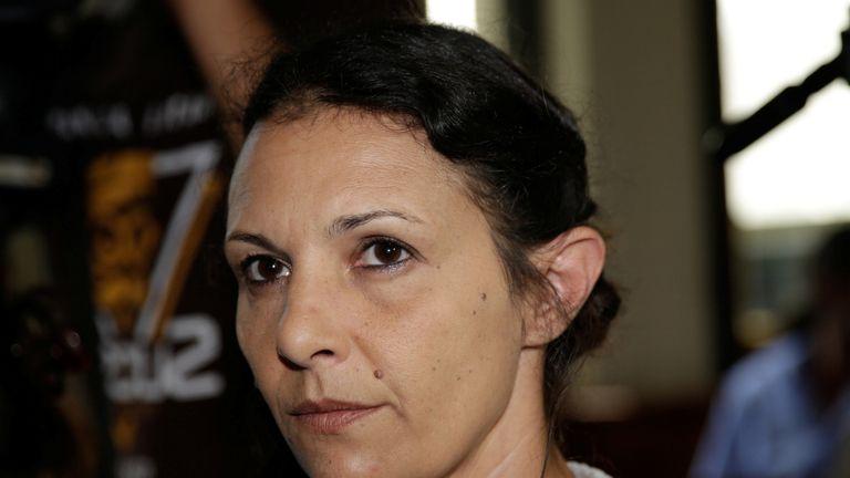 La ressortissante australienne Sara Connor est assise dans une salle d'audience pour la détermination de la peine