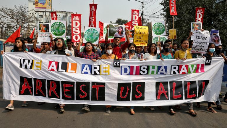 L'arrestation de Ravi avait déclenché de nouvelles manifestations comme l'appelaient les partisans