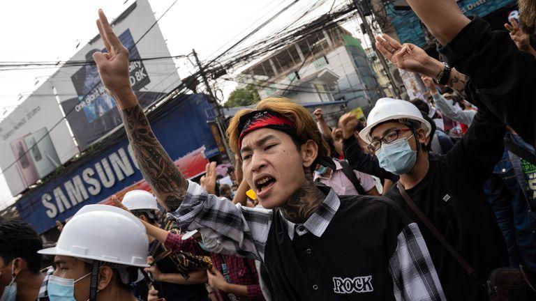Les manifestants se sont rassemblés malgré l'absence de médias sociaux ou d'Internet pour s'organiser