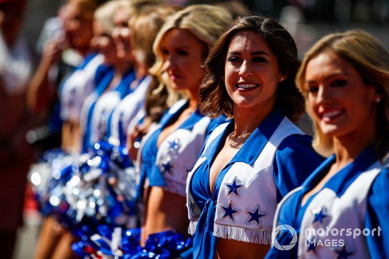 Les cheerleaders des Dallas Cowboys divertissent la foule de F1 à Austin