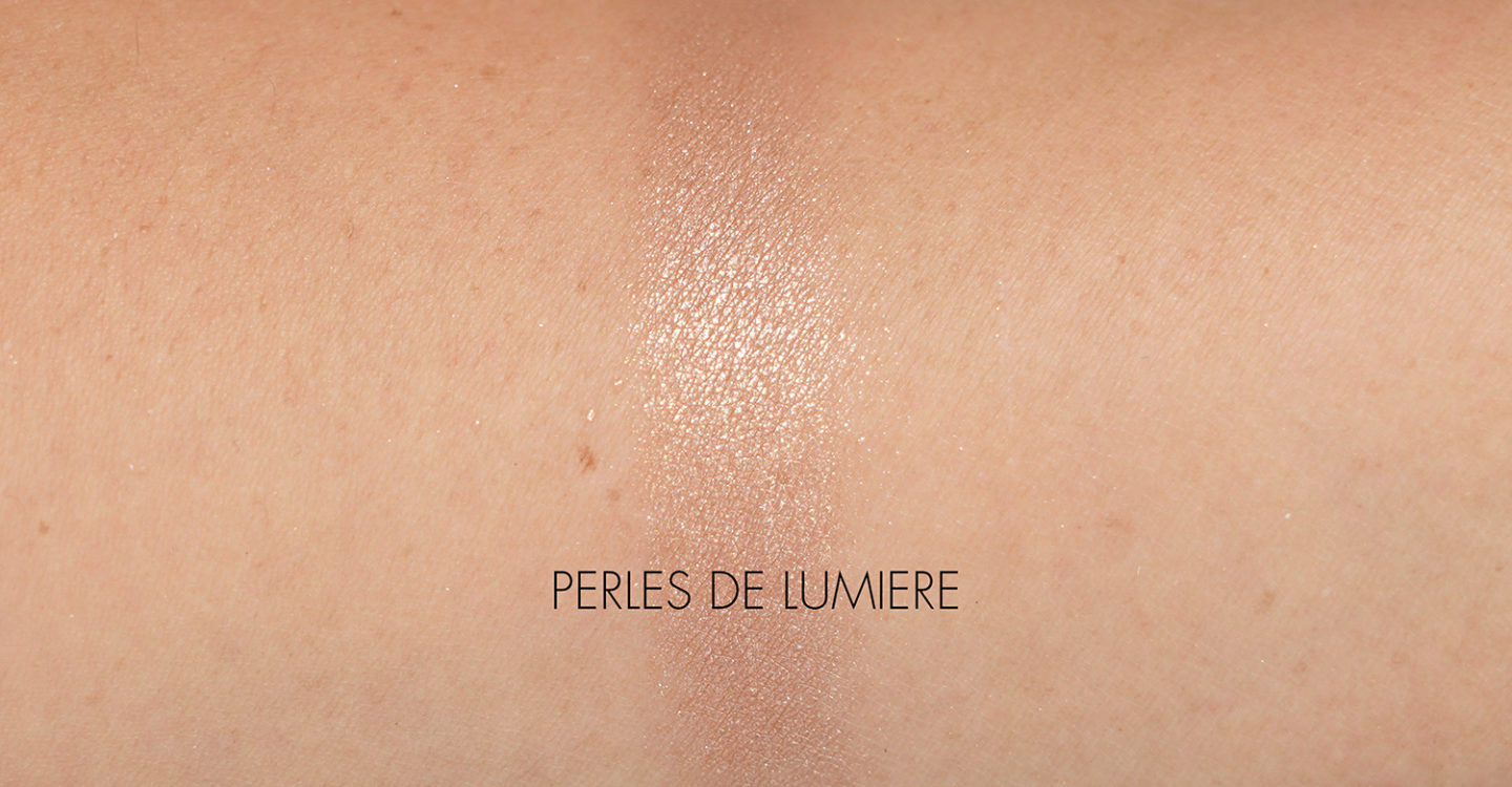 Chanel Perles De Lumiere Illuminating Powder Blush Powder Swatch