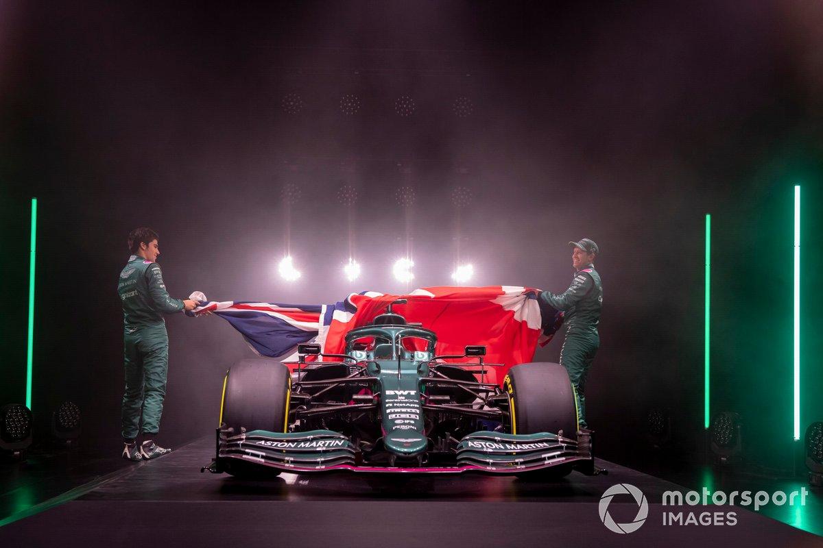 Lance Stroll, Aston Martin et Sebastian Vettel, Aston Martin, dévoilent l'Aston Martin AMR21