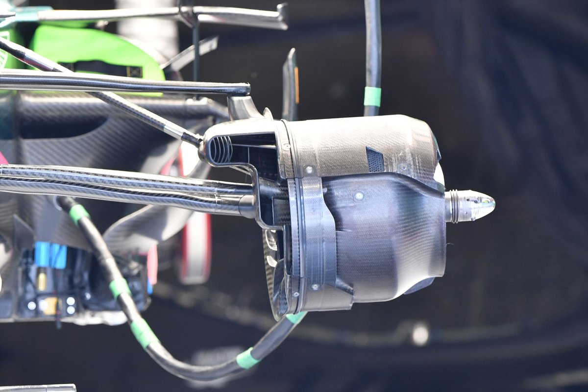 Conduit de frein avant Aston Martin AMR21 sans détail du panneau de croisement