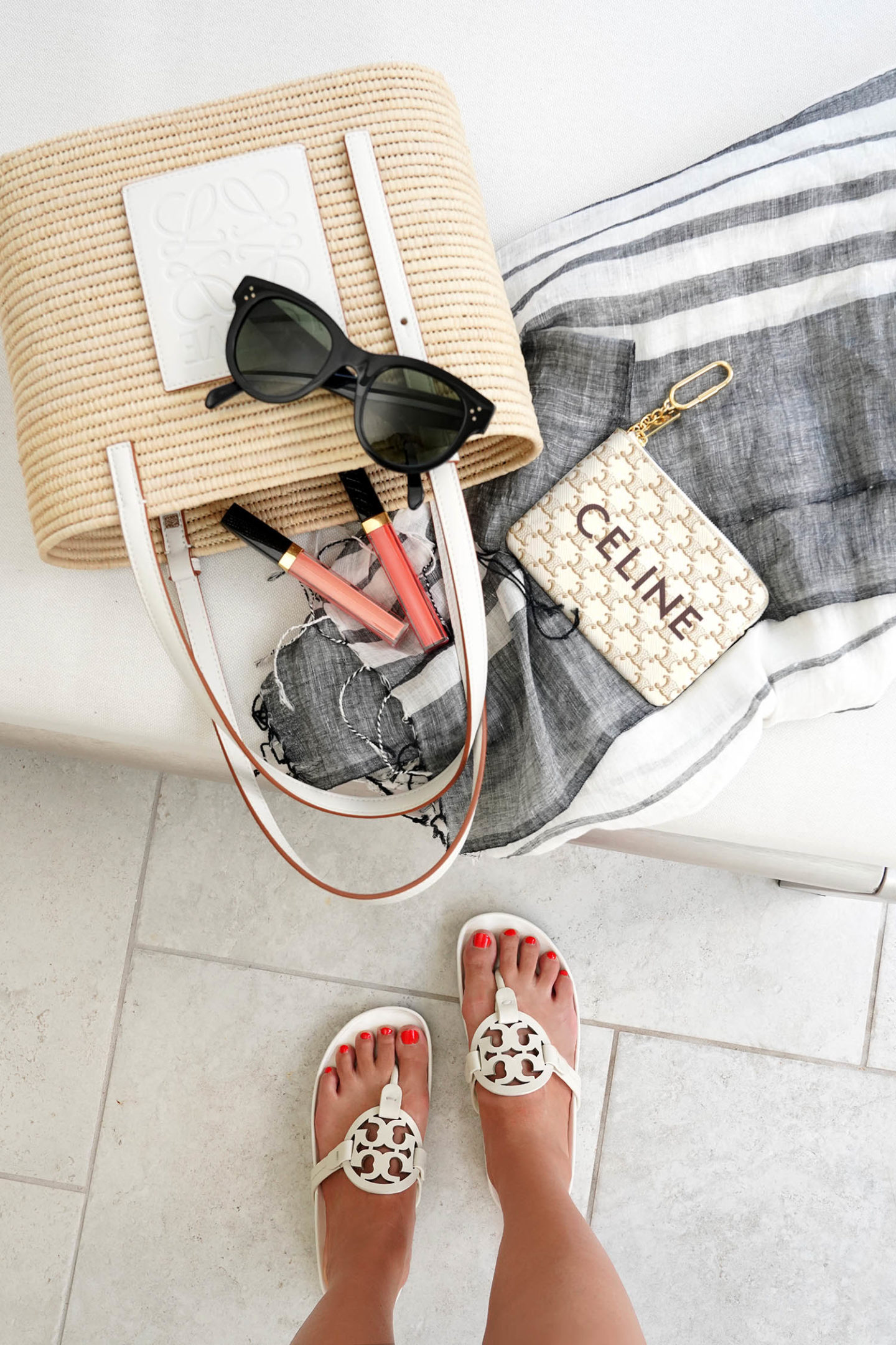 Petit sac panier carré en raphia à finitions en cuir Loewe
