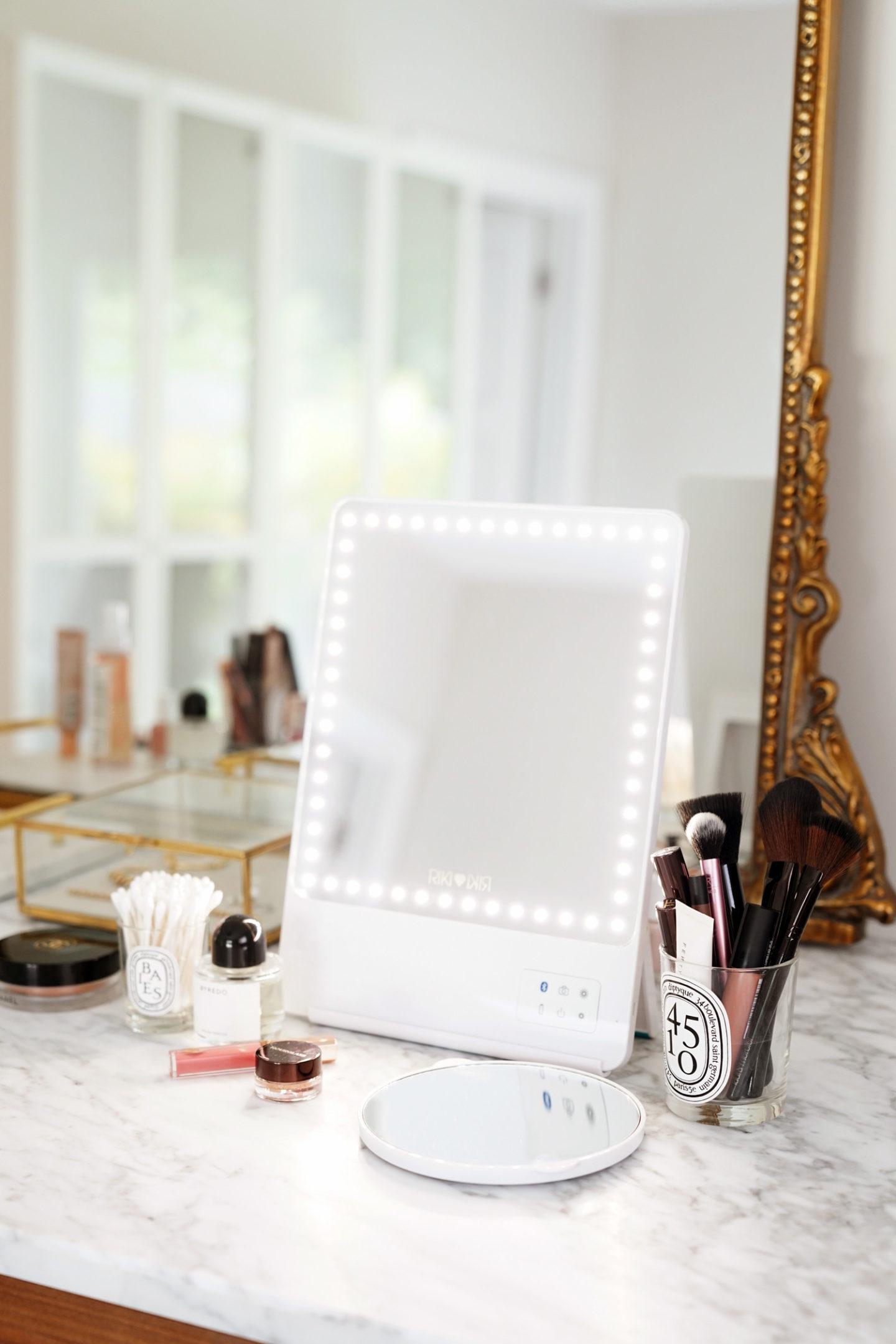 Avis sur Riki Skinny Vanity Mirror via The Beauty Look Book