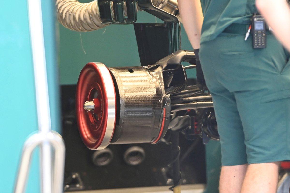 Détail du tambour de frein Aston Martin AMR21
